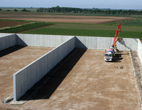 shuttabloc precast concrete containment wall